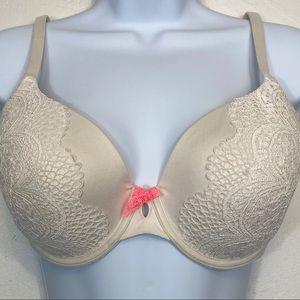 Victoria's Secret body by Victoria lace padded bra